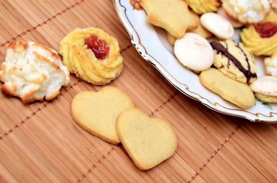 Cara Mudah Membuat Kue Semprit, Kue Favorit Lebaran